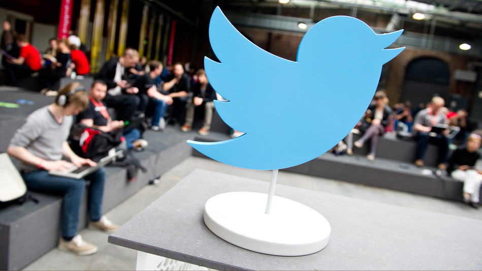 Big-time Twitter investor: Google should buy Twitter